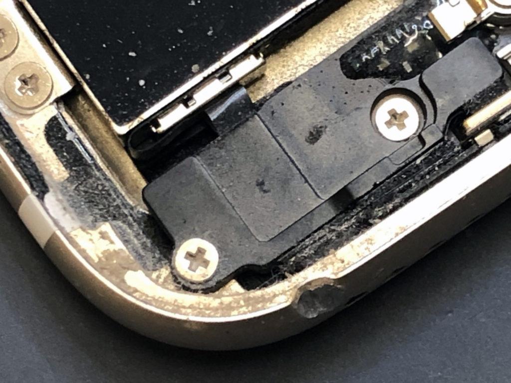 iPhone7フレーム歪み
