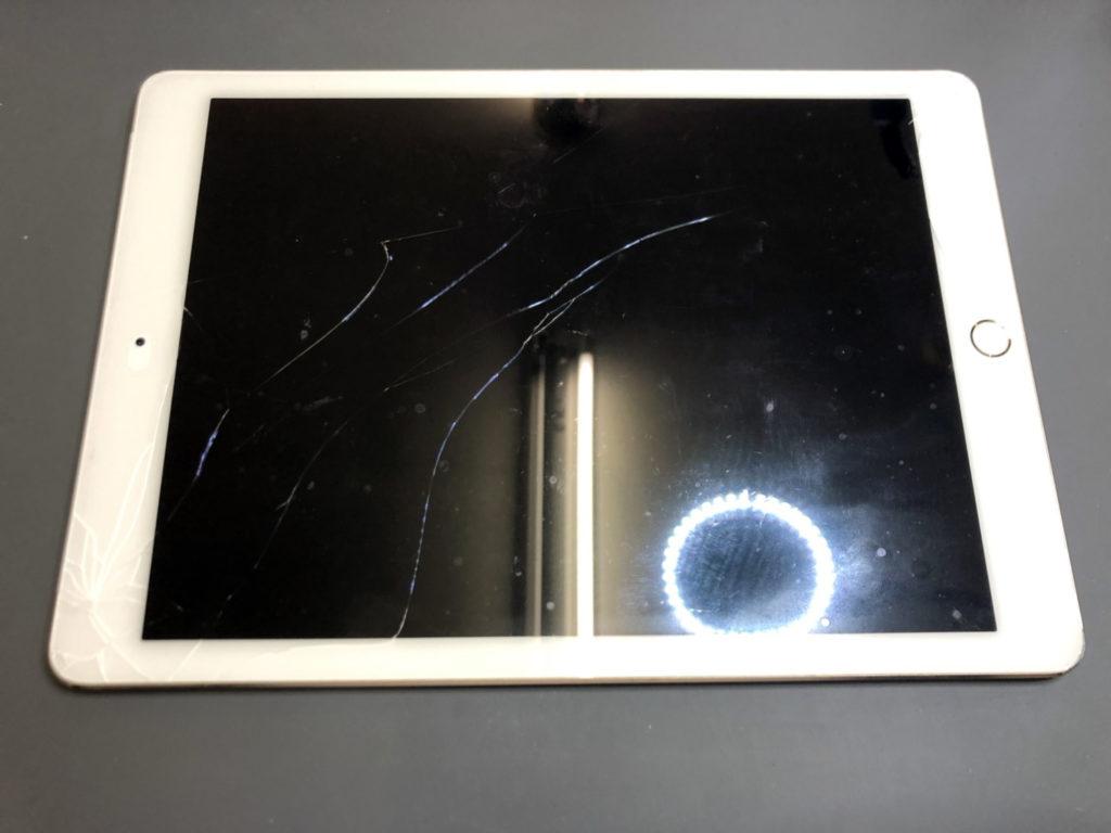 iPad Air2 画面割れ