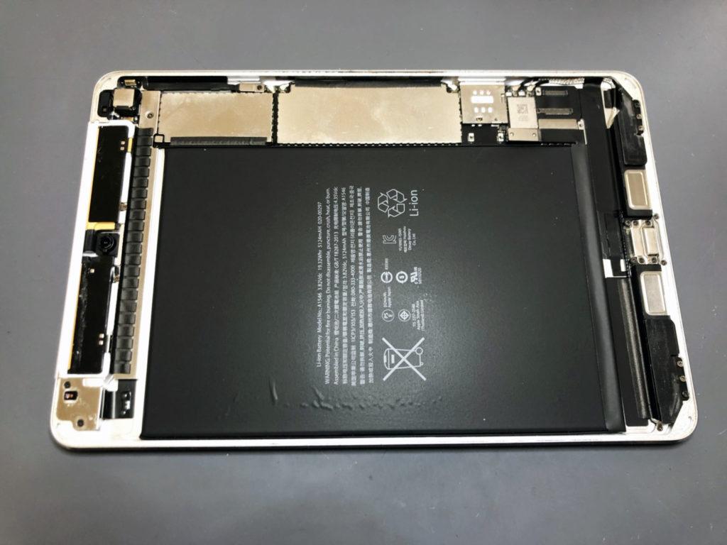 iPad mini 4 内部