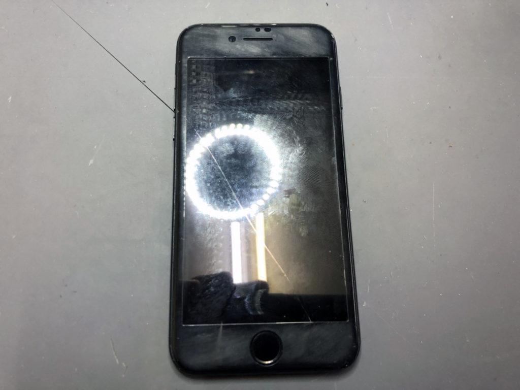 iPhone7画面割れ修理