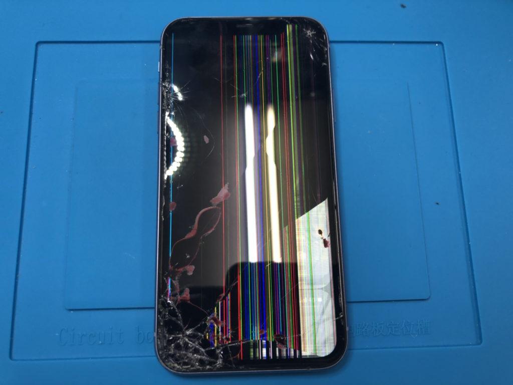 iPhone 11 画面割れ