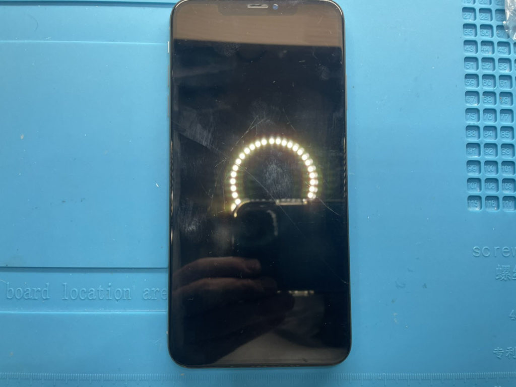 iPhone XS Max 水没・表示不良